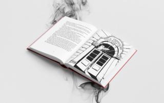 Das Buch Funkenfeder aufgeschlagen mit einer ganzseitigen Illustration sichtbar